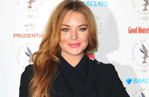 Lindsay Lohan está numa fase bem parada de sua carreira, mas, mesmo assim, aqueles que a chamam para fazer filmes devem preparar o bolso para atender aos caprichos da atriz. LiLo sempre exige um quarto em hotel de luxo e um trailer, ambos à disposição dela. (Foto: Getty Images)