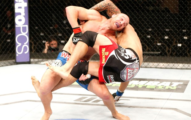 Patrick Cummins e Roger Narvaez UFC (Foto: Getty Images)