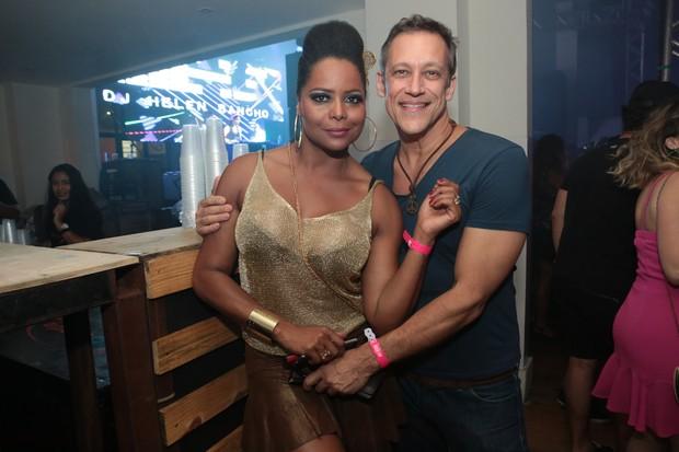 Adriana Bombom com o namorado (Foto: Reginaldo Teixeira/Divulgação CS Eventos)