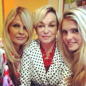 Monique Evans, Conceição e Bárbara Evans (Foto: Reprodução/Instagram)