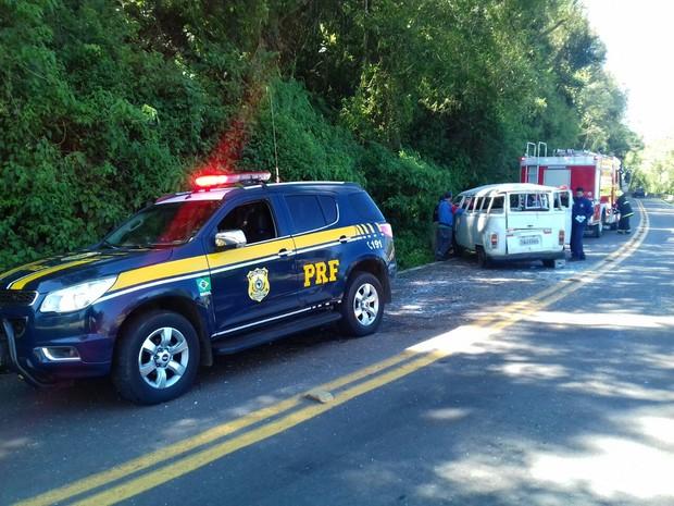 Acidente ocorreu na BR-116, em Campestre da Serra (RS) (Foto: PRF/Divulgação)