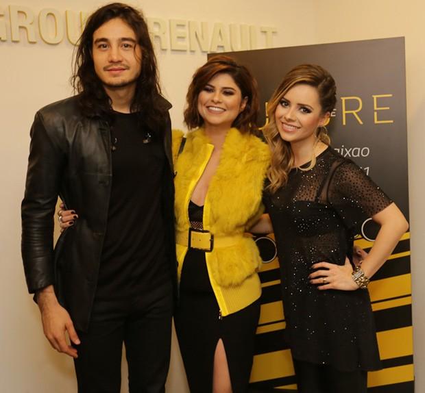 Tiago Iorc, Julianne Trevisol e Sandy (Foto: Claudio Augusto/Brazil News)