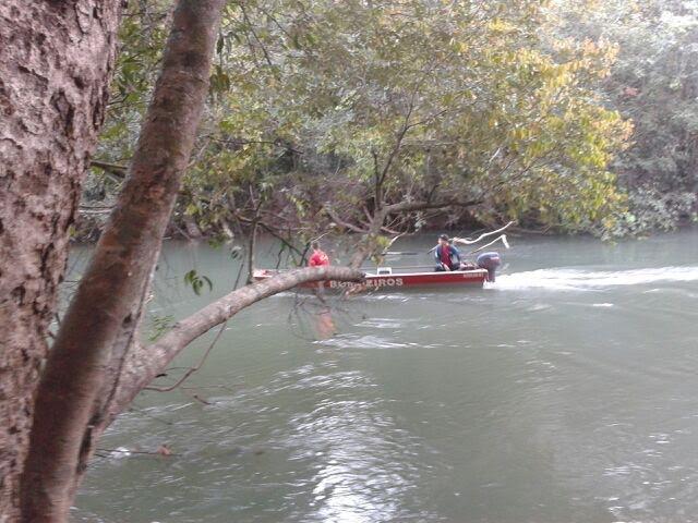 Bombeiros procuram pescador que se afogou no domingo em Mato Grosso. (Foto: Alisson Carvalho/Arquivo pessoal)