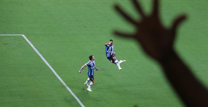 Gre-Nal 407 Grêmio Inter Campeonato Brasileiro Arena Réver Fernandinho (Foto: Eduardo Moura/GloboEsporte.com)