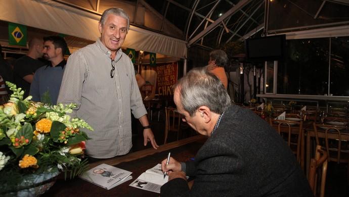 Eduardo Maluf no lançamento do livre de Levir Culpi (Foto: Bruno Cantini / Atlético-MG)