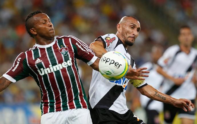 Chiquinho e Guinazu, Fluminense x Vasco (Foto: Ivo Gonzalez/Agência O Globo)