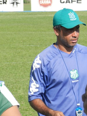Derlan Barcelos técnico Verdinho (Foto: Felipe Santos/GLOBOESPORTE.COM)