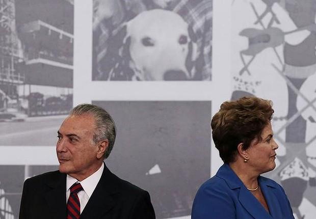 O então vice-presidente Michel Temer ao lado da então presidente Dilma Rousseff em cerimônia oficial em 2014 (Foto: Ueslei Marcelino/Arquivo/Reuters)