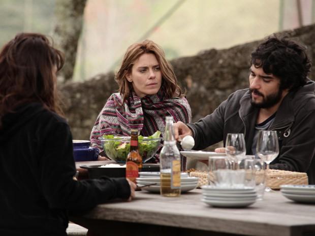 Carolina Dieckmann e Caio Blat em 'Entre nós' (Foto: Divulgação)