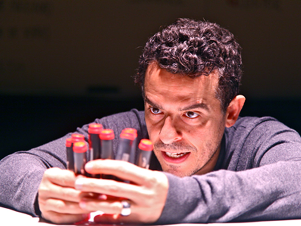 """Gustavo Gasparani levou o prêmio de Melhor Ator por """"Ricardo III"""" (Foto: Nill Caniné)"""