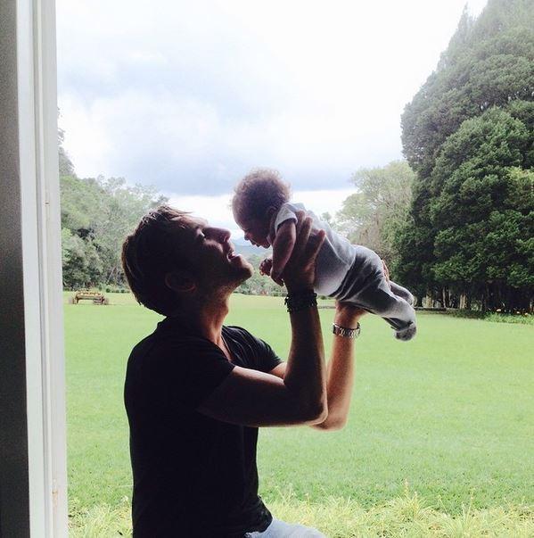 Igor Rickli com o filho (Foto: Instagram / Reprodução)