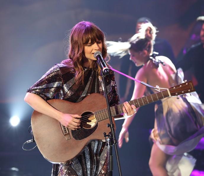 Cantora inglesa cantou sucesso 'Home', tema de Eliza de 'Totalmente Demais' (Foto: Carol Caminha/Gshow)