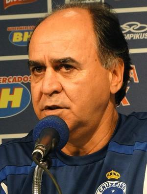 Marcelo Oliveira coletiva treino Cruzeiro (Foto: Fernando Martins)