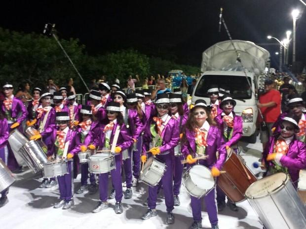 Escolas de samba abriram o carnaval em navegantes neste final de semana (Foto: Luiz Souza/RBS TV)