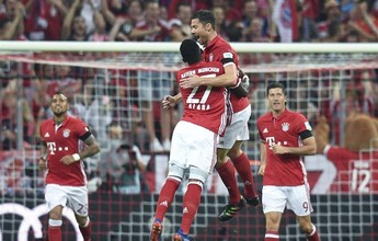 Xabi Alonso brilha e é o dono do gol mais bonito do futebol internacional