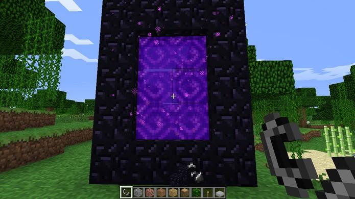 Um portal para o Nether pode ser feito sem Obsidianas nos cantos, economizando 4 blocos (Foto: WoodenAxe Minecraft Server)