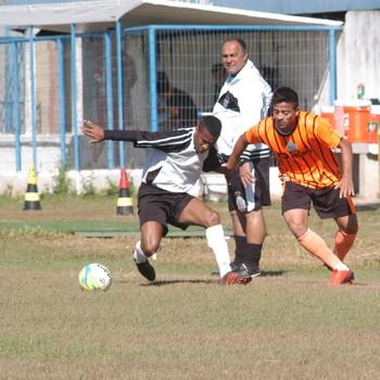 Jogo-treino União Barbarense Osasco (Foto: Francisco Godoy / Diário SBO)