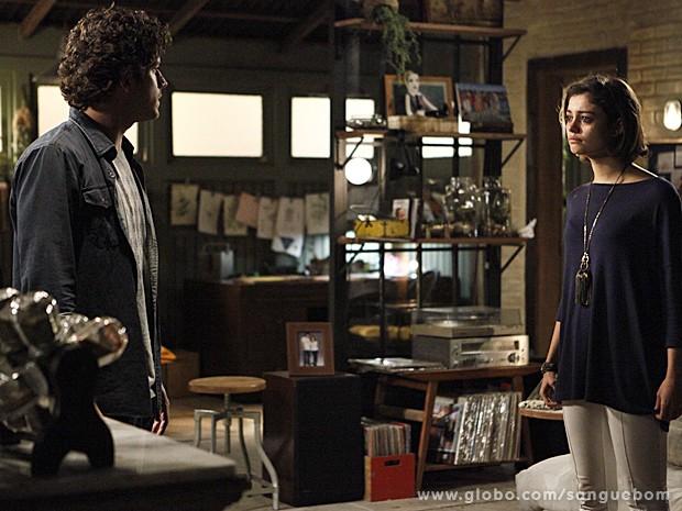 Bento diz à AMora que já sabe de tudo sobre suas mentiras (Foto: Inácio Moraes/TV Globo)