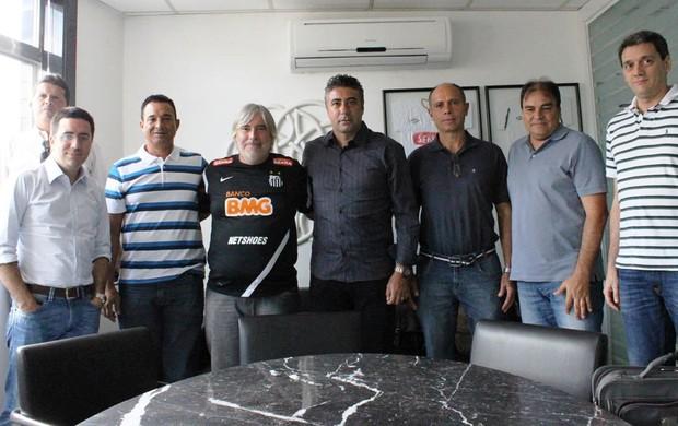 Técnico da sub-20, Gallo visita o Santos (Foto: Bruno Giufrida / Divulgação Santos FC)