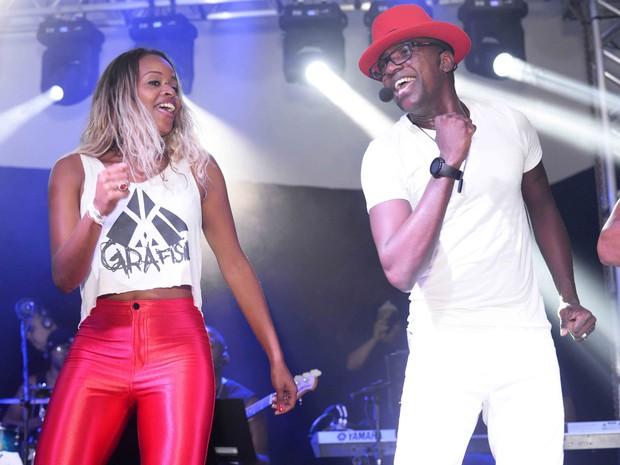 Roberta Rodrigues e Miumuzinho em show na Zona Sul do Rio (Foto: Ari Kaye/ Divulgação)