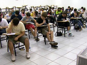 Alunos fazem na Unip a prova da 2ª fase da Unicamp, em Campinas (Foto: Reprodução EPTV)