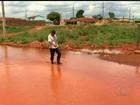 Chuva alaga ruas sem asfalto e escoamento de água em Goiás