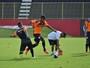 No aniversário do capitão, Marinho retorna, e Leão treina em dois turnos