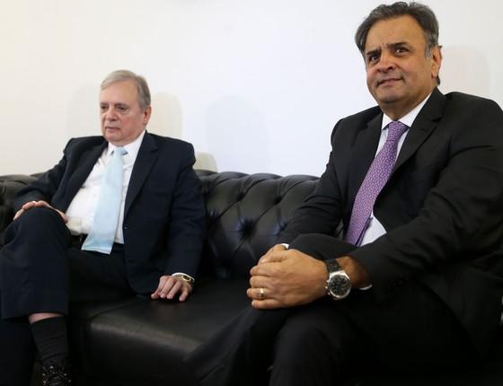 Os senadores tucanos Tasso Jereissati  e Aécio Neves (Foto: Marcelo Camargo/Agência Brasil)