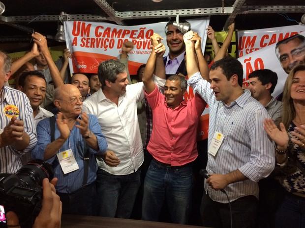 'Esse é o senador do Rio', diz Lindbergh (PT) em convenção do PSB-RJ (Foto: Henrique Coelho/G1)