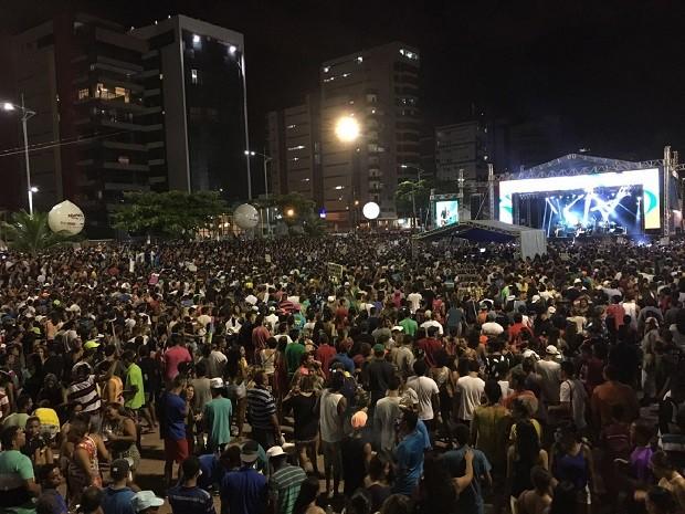 Praça Multieventos ficou completamente lotada para assistir às apresentações da última noite (Foto: Pedro Neto/G1)