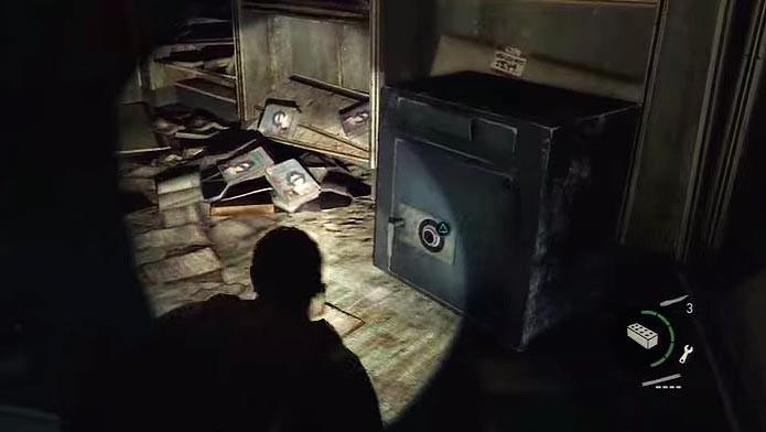 Encontre o primeiro cofre na livraria do metrô (Foto: Reprodução/Youtube)