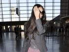 Demi Moore esconde o rosto em aeroporto nos Estados Unidos