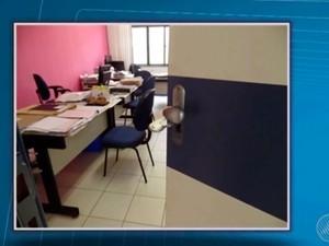 Fórum foi arrombado na segunda-feira (Foto: Reprodução/TV Bahia)