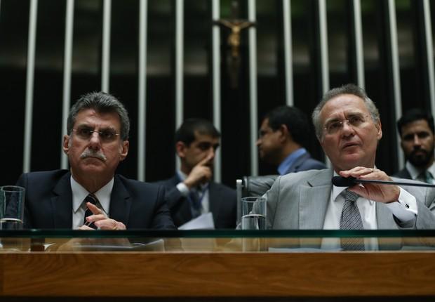 Os senadores Romero Jucá (PMDB-RR) e Renan Calheiros (PMDB-AL) em sessão da Casa (Foto: Fabio Rodrigues Pozzebom/Agência Brasil)