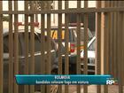 Grupo tenta atear fogo em carro da Polícia Militar em oficina de Rolândia