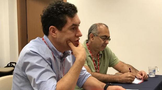 Ede Viani, diretor de empresas e instituições do Santander (à esq.), e Altino Cristofoletti Junior, vice-presidente da Associação Brasileira de Franchising (Foto: PEGN/Mariana Iwakura )