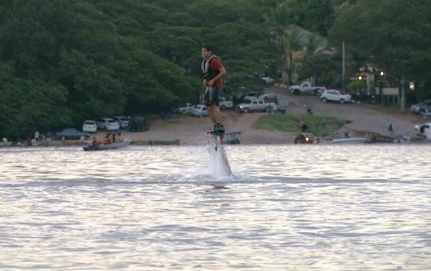 Relembre a modalidade 'Flyboard' (Foto: Amazônia Revista)