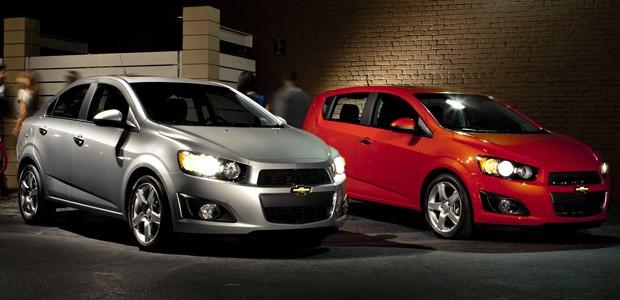 Chevrolet Cruze sedã e hatch (Foto: Divulgação)
