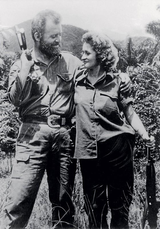 AVENTUREIRO William Morgan e sua mulher, Olga Rodríguez. O papel do americano na guerrilha cubana é motivo de controvérsia. Abaixo, a capa do livro (Foto: Divulgação)