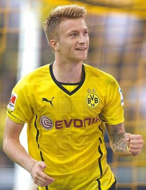 Marco Reus comemora gol do Dortmund contra o Bayer de Munique (Foto: Reuters)