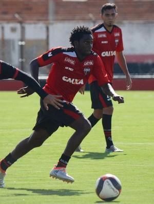 Negueba - atacante do Atlético-GO (Foto: Divulgação / Atlético-GO)