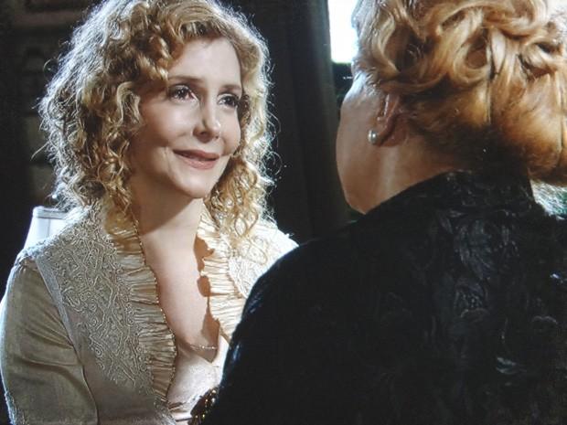 Diva pede mais apoio de Alzira à sua carreira de atriz (Foto: Lado a Lado / TV Globo)