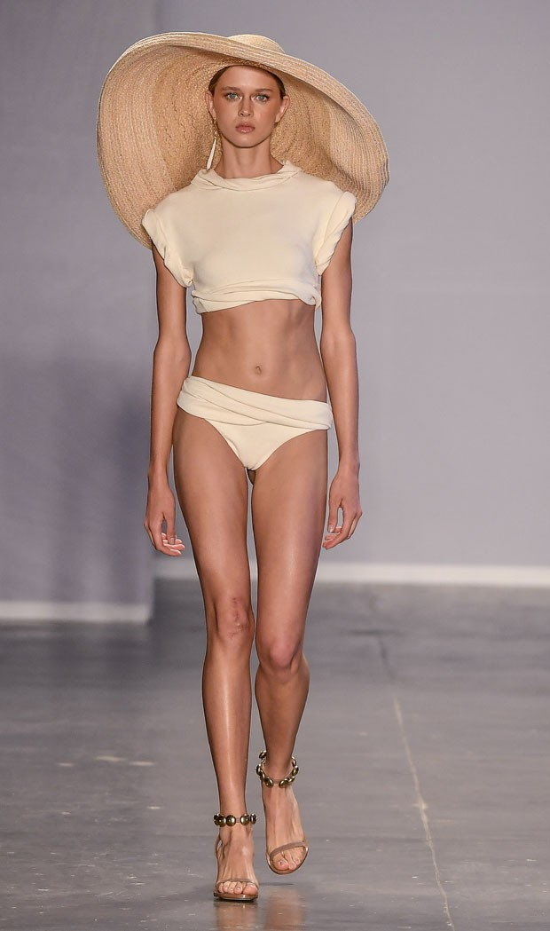 Modelagem ampla: tendência na semana de moda paulista (Foto: Agência Fotosite)