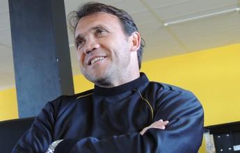 "Hoje rival, Petkovic torce por Ricardo Gomes: ""Melhor técnico do Brasil"""
