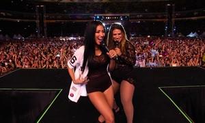 Simone & Simaria abrem bastidores de show para o programa