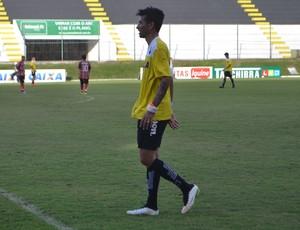 Rodrigo Biro - lateral-esquerdo do ABC (Foto: Jocaff Souza/GloboEsporte.com)