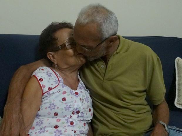 Casal faz 53 anos de casado e matem o romantismo. (Foto: Fabiana De Mutiis/G1)