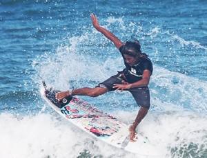 Julio cesar surfe (Foto: Padang )