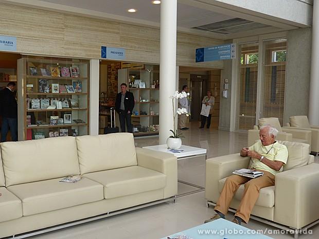 Lojas passam a impressão de hotel ao hospital (Foto: Amor à Vida / TV Globo)