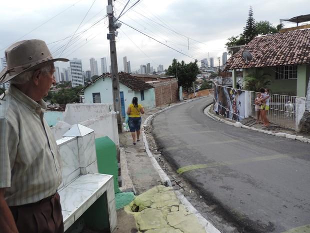Terêncio Joaquim acreditam que imagens retratam cultura do povo do Morro da Conceição (Foto: Katherine Coutinho / G1)